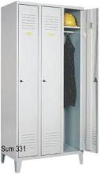 Öltözőszekrény, fém, dupla szellőzővel, 3 ajtós + lábazat (331w)
